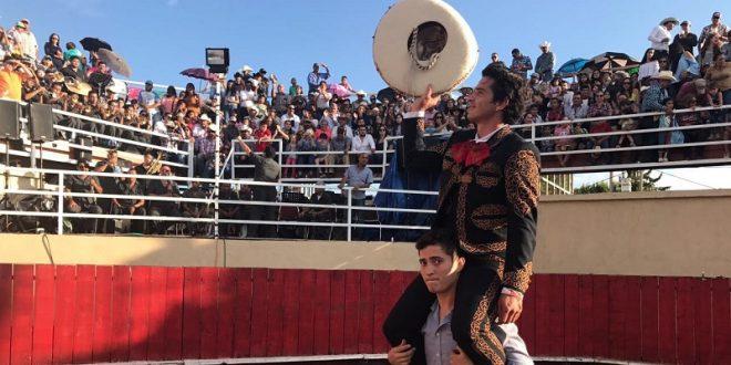 Triunfal festival michoacano