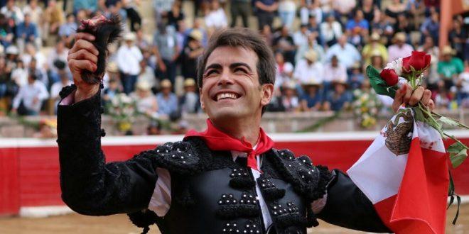 Arturo Macías va por la décima