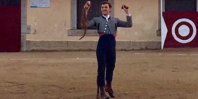 MIGUEL AGUILAR corta orejas y rabo en España; y actúa el domingo en la PLAZA MÉXICO (*Fotos*)