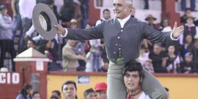 Sale a hombros Rafaelillo en Tlaxcala