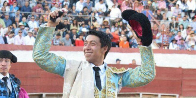 Corta Sergio Flores solitario apéndice en Jiquilpan, Michoacán