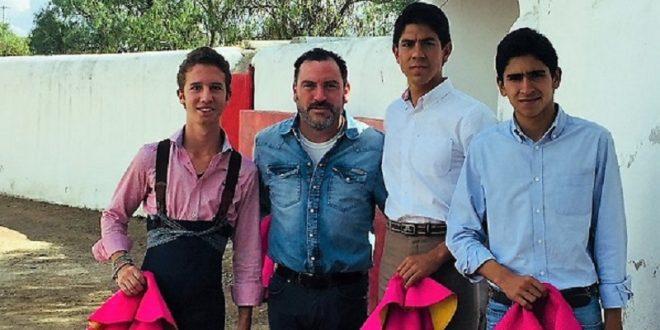 Los alternantes en la novillada de Calaveras tentaron en la ganadería de Claudio Huerta