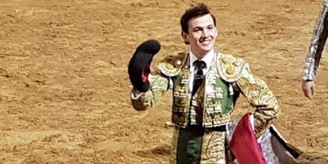 Miguel Aguilar sale en hombros en Saint Sever