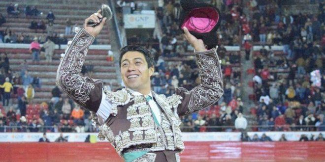 SERGIO FLORES triunfa en la PLAZA MÉXICO y llegará embalado al festejo benéfico (*Fotos*)