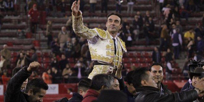 """Enrique Ponce """"puso de cabeza"""" la Plaza México (*Fotos*)"""