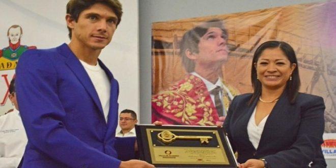 CASTELLA recibe las Llaves de la Ciudad de Villa de Alvarez, Colima