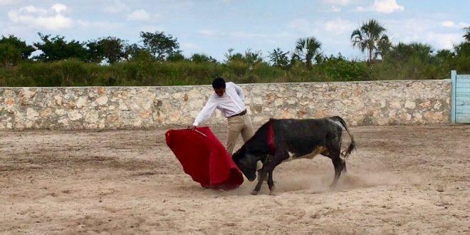 ISRAEL TÉLLEZ, de tienta en la ganadería de ARMANDO GUADIANA (*Fotos*)