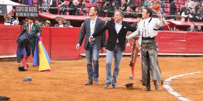 Indulto histórico en la Plaza México; salen a hombros ANDY CARTAGENA y ARTURO MACÍAS (*Fotos*)