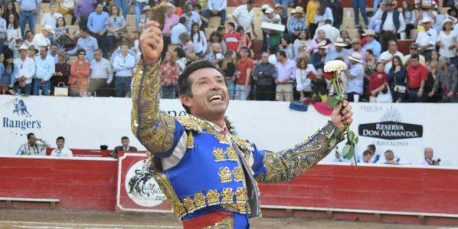 Encabeza Jerónimo festejo de Sábado de Gloria en San Miguel de Allende