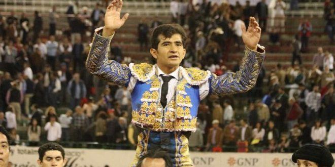 Triunfa Adame en el mano a mano con El Juli en Guadalajara