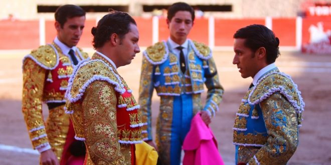 JEREZ: Oreja de peso a la actitud y entregade 'Armillita'; un trofeo, para Juan Ortega