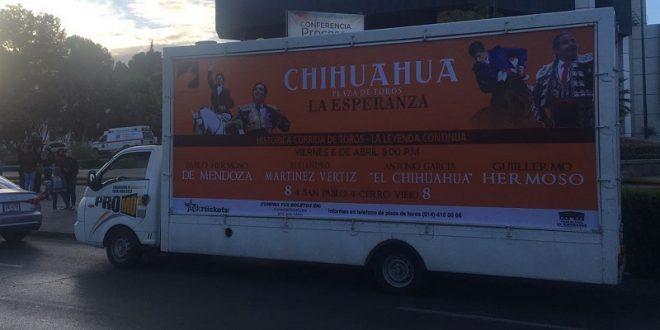Inundan Chihuahua con publicidad taurina (*Fotos*)