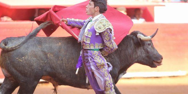 ISAAC FONSECA roza el triunfo en la PLAZA MÉXICO (*Fotos*)