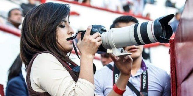 La fotógrafa Daniela Magdaleno continúa grave pero estable