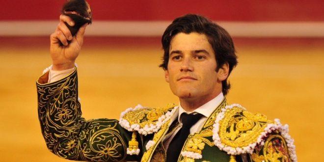 BORDA José Garrido el toreo en Valencia y el presidente le 'roba' la Puerta Grande (*Fotos*)