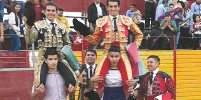 Comparten la salida a hombros El Calita y Garza Gaona