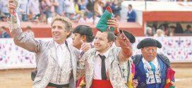 Sendas orejas a Hermoso de Mendoza, Castella, Joselito y Luis David, en Pachuca