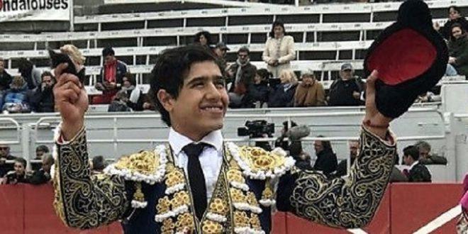 Triunfan Fandila, Garrido y Adame, en Arles; el mexicano, a hombros