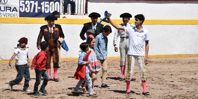 Oreja a Ibelles; niegan trofeo a Gutiérrez, en Los Azulejos
