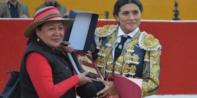 LUPITA LÓPEZ, triunfadora en PERÚ (*Fotos*)