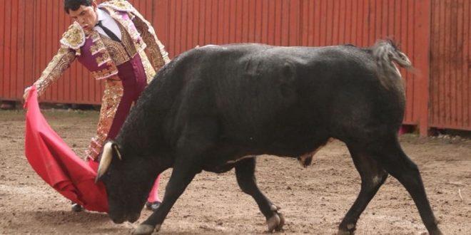 """Comienzan los festejos por el 40 aniversario de """"FELIPE GONZÁLEZ"""" (*Fotos*)"""