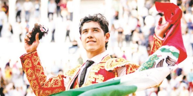 Luis David Adame, hoy en Istres