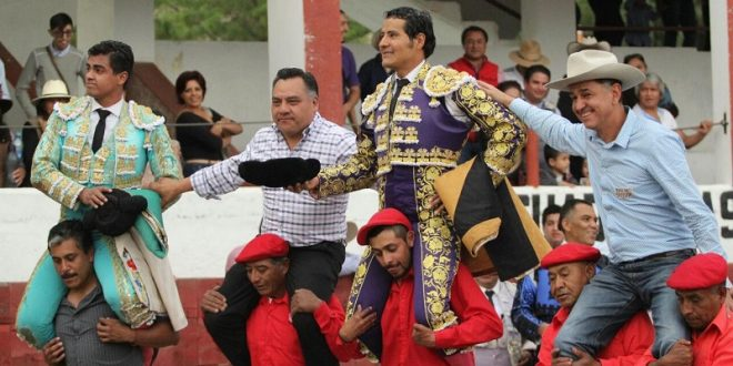 Triunfal festejo en Tetla, Tlaxcala… ¡CON INDULTO INCLUIDO! (*Fotos*)