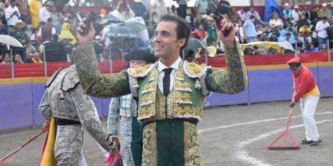 Toreo a caballo y a pie, en Teziutlán