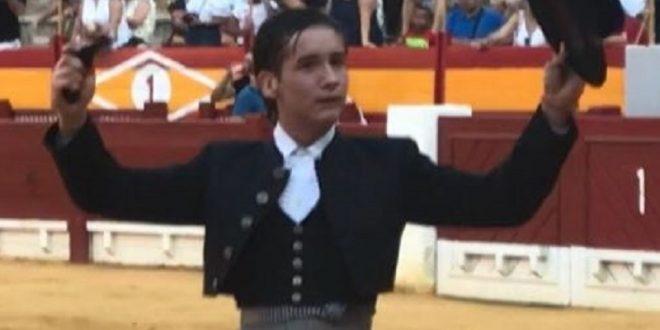 Arturo Gilio, a hombros en Simaras, Valladolid