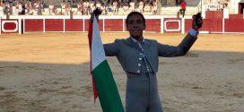 Triunfal debut de ANTONIO ROMERO en España; sale a hombros junto a JESULÍN de UBRIQUE