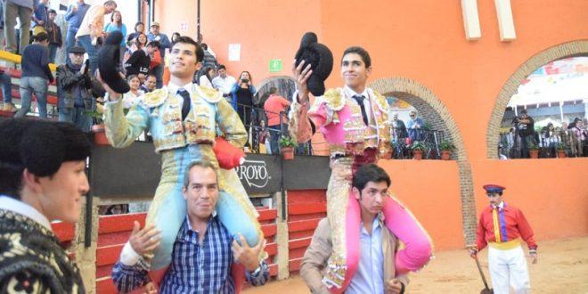 Triunfal mano a mano en Arroyo