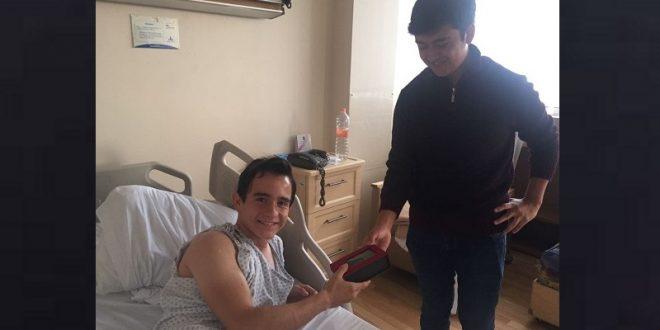 Sale Sainz del hospital y le obsequian el cinturón con el que le hicieron oportuno torniquete (*Fotos*)
