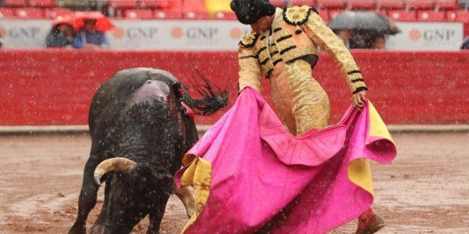 Oreja a Gutiérrez, en la México
