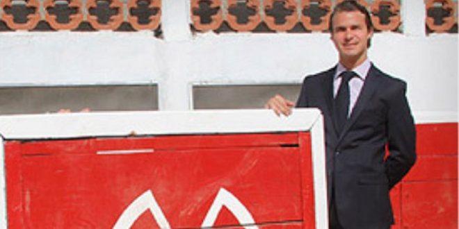 Deja Pablo Alvarez las riendas de la Plaza Santa María de Querétaro