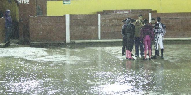 Posponen novillada por lluvia en Tlaxcala (*Fotos*)