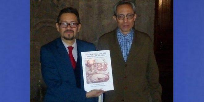PRESENTAN LIBRO DE LA HISTORIA DE LA CIRUGIA TAURINA