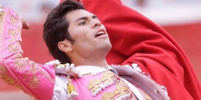 Francisco Martínez anhela doctorarse en la Plaza México