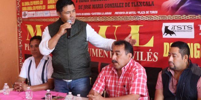 Ayala, Angelino y 'El Chihuahua' abren Motul