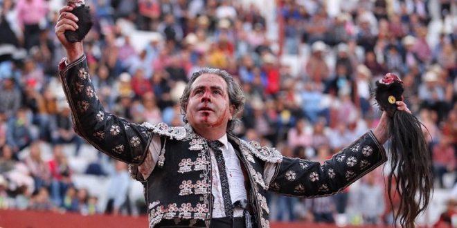 Orejas y rabo a Martínez Vértiz