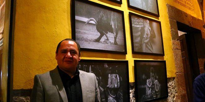 Arte y sensibilidad, en la exposición de MANOLO BRIONES