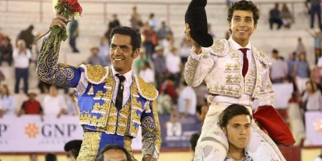 Garibay y Valadez, a hombros en Irapuato; Silveti torea bien pero mata mal