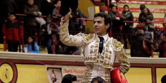 Triunfal actuación de HÉCTOR GABRIEL en Teziutlán