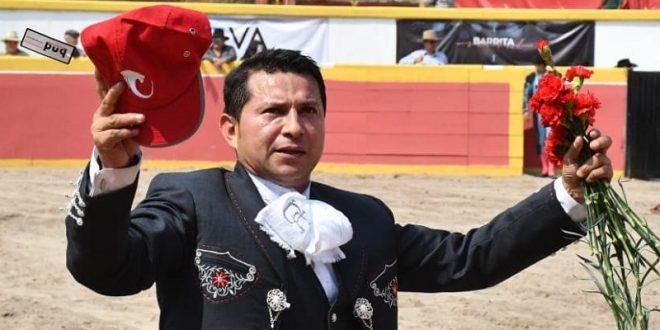 Cortan Jerónimo y Cuauhtémoc Ayala los máximos trofeos