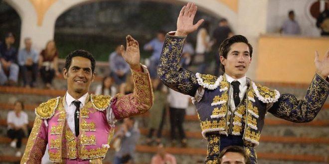 A hombros, Garibay y Espinosa