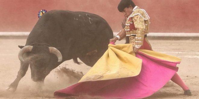 Apasionada entrega de Valadez, en Caxuxi