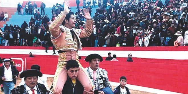'El Zapata', a hombros en Perú