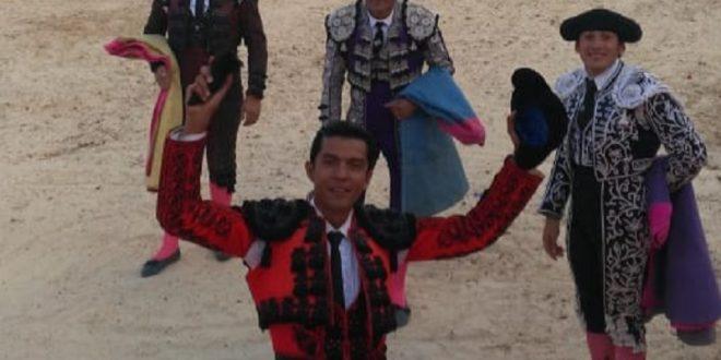 Oreja de peso, a Israel Téllez en festejo peruano