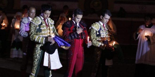 Encienden los toreros Huamantla, en el festejo de Las Luces