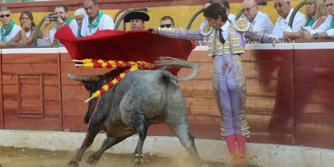 Par de trofeos, a Castella en Huesca
