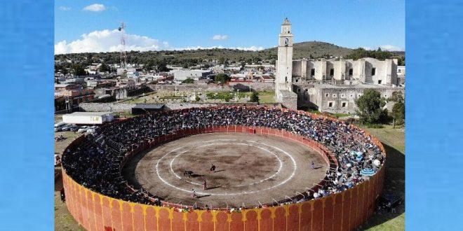 En ZEMPOALA, Hidalgo… ¡ESPALDARAZO del presidente municipal a la TAUROMAQUIA!